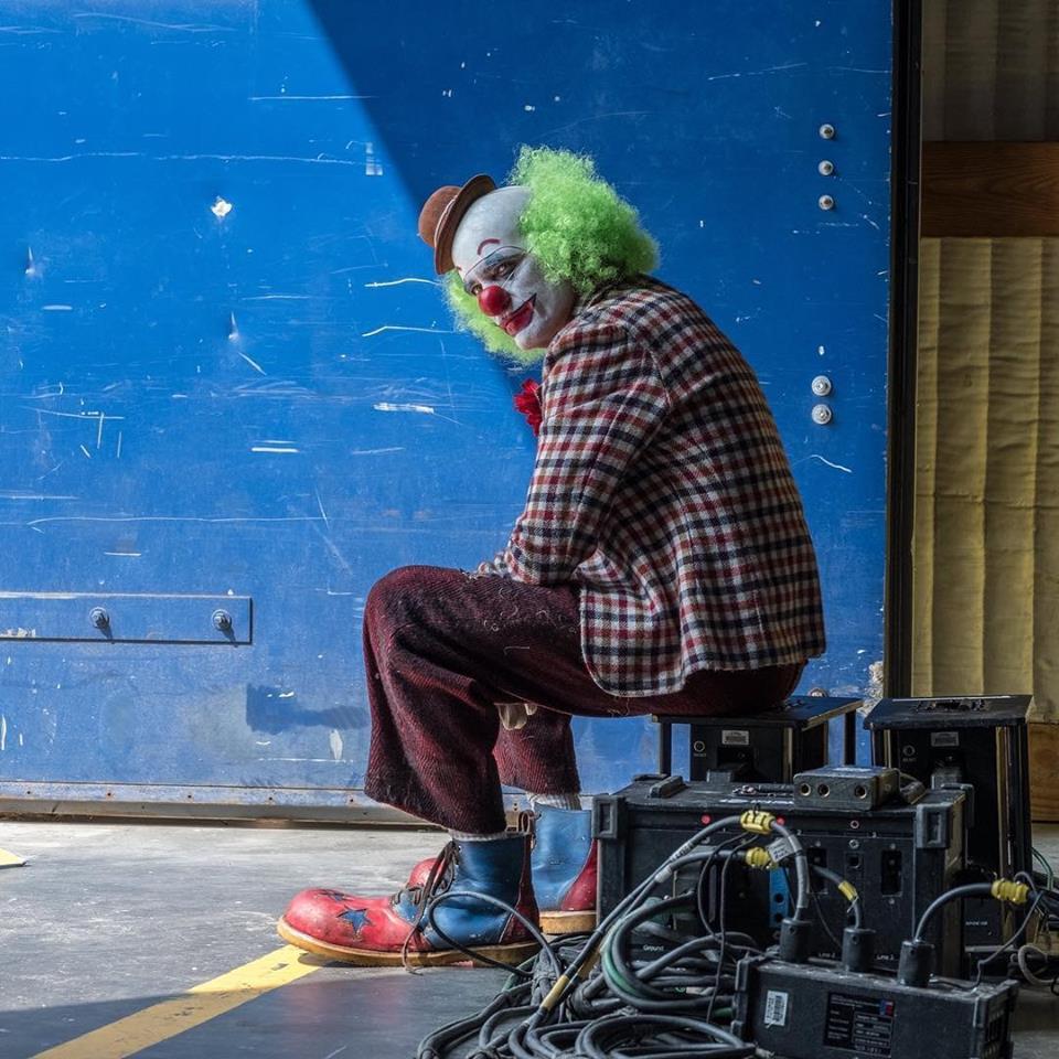 Joker (Origin Story) par Todd Philips produit par Scorcese (Elseworld) - Page 7 42436510