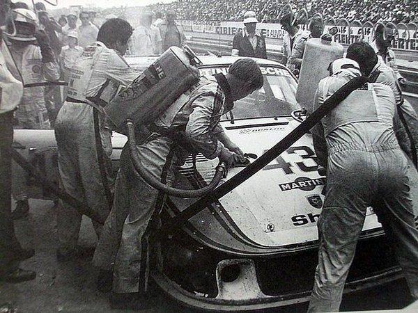Porsche 935 - Page 18 Cg5uti10