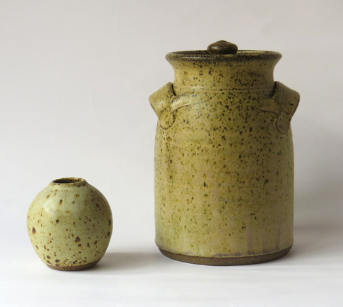 YV mark - Yeo Valley Pottery A_vell10