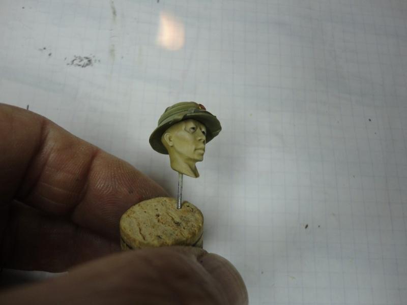 Vietcong 120 mm 1/16 Verlinden  FINI MIS EN GALERIE  Dsc00048