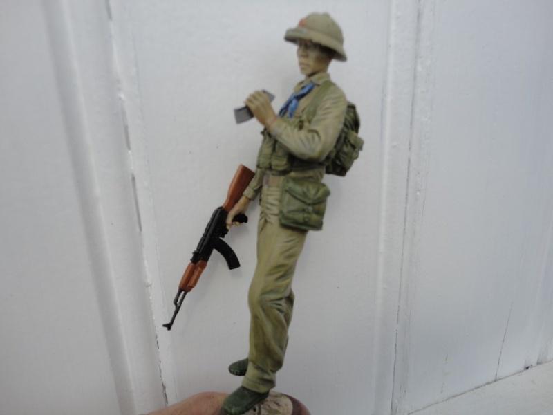 Vietcong 120 mm 1/16 Verlinden  FINI MIS EN GALERIE  - Page 2 Dsc00128