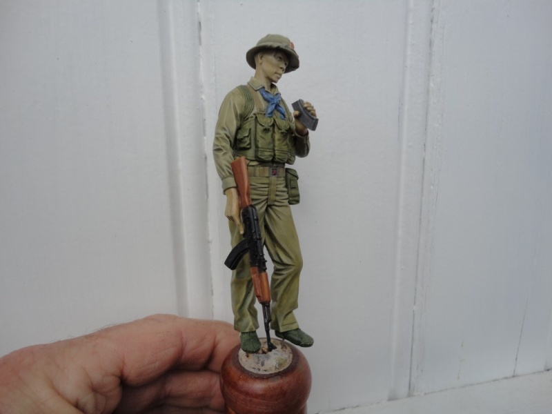 Vietcong 120 mm 1/16 Verlinden  FINI MIS EN GALERIE  - Page 2 Dsc00129