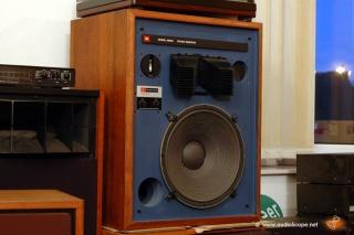 """Neil Young: """"Che rimpianti per il vinile. Oggi ascoltare non dà le stesse emozioni"""" - Pagina 2 Jbl43310"""