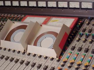 """Neil Young: """"Che rimpianti per il vinile. Oggi ascoltare non dà le stesse emozioni"""" - Pagina 2 R0015113"""