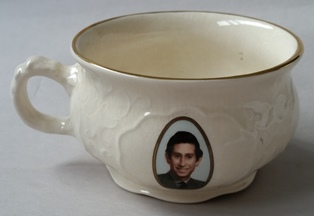 For gallery commemorative chamber pot  Cl_cha10