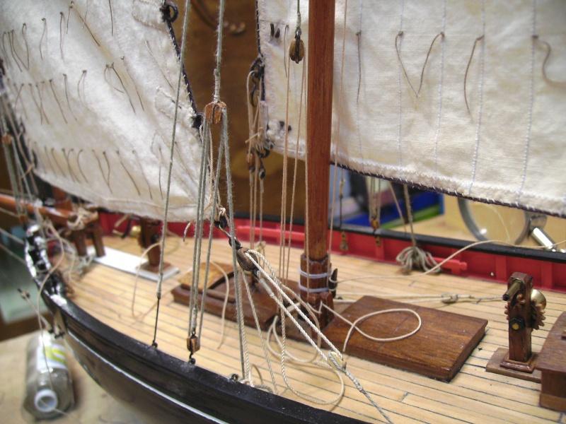 """BISQUINE sur la base """"La Cancalaise"""" Billing Boats 1/40°  - Page 7 Poulie27"""