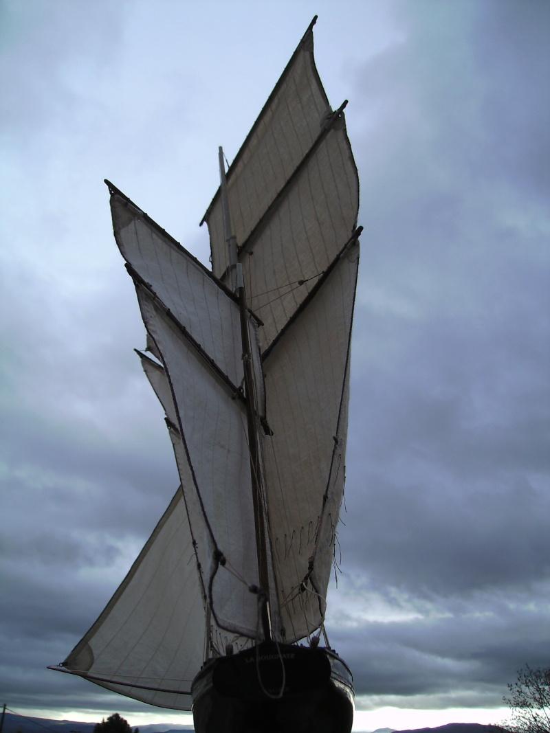 """BISQUINE sur la base """"La Cancalaise"""" Billing Boats 1/40°  - Page 8 Voiles44"""