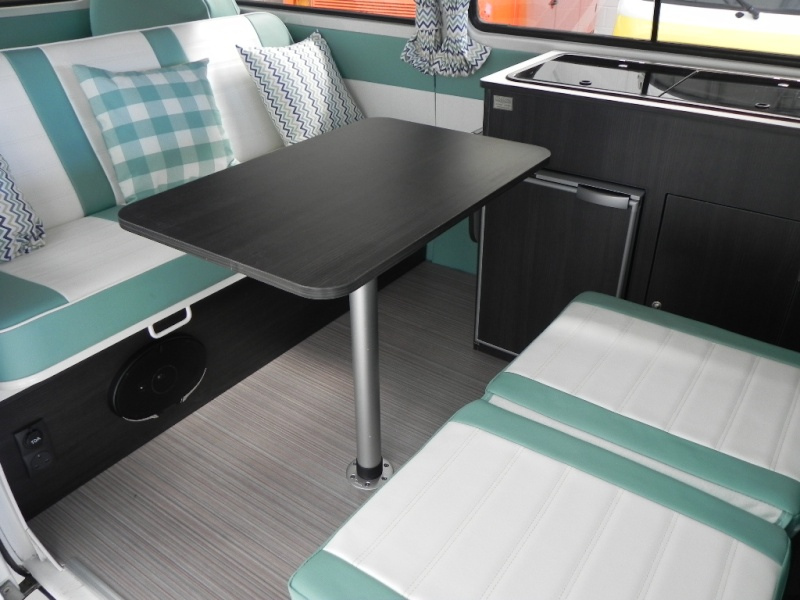 Fresh new interior in this Kombi, check it out.. Dscn9610