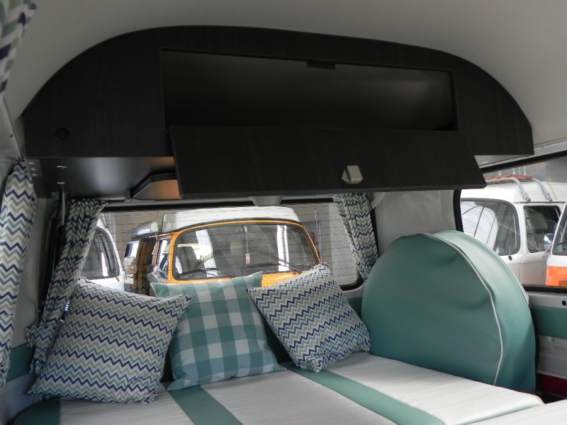 Fresh new interior in this Kombi, check it out.. Dscn9611