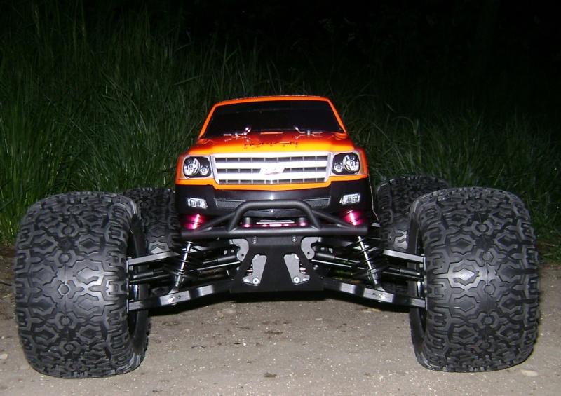 Les Monsters truck de Trankilou & Trankilette - Losi LST  XXL 2E - Page 3 Tof_0213