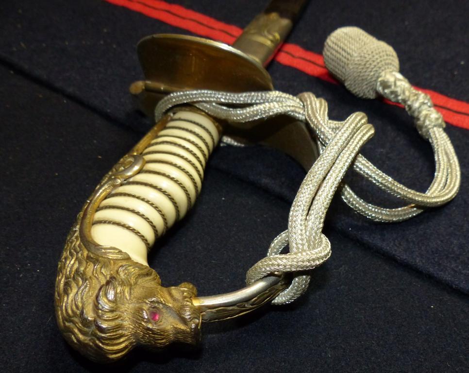 Sabres Marine et épées. P1220256