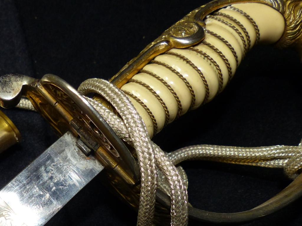 Sabres Marine et épées. P1220267