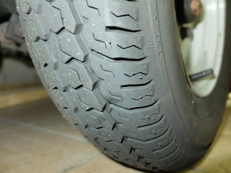 Donne pneus 145-10 Dscf3712