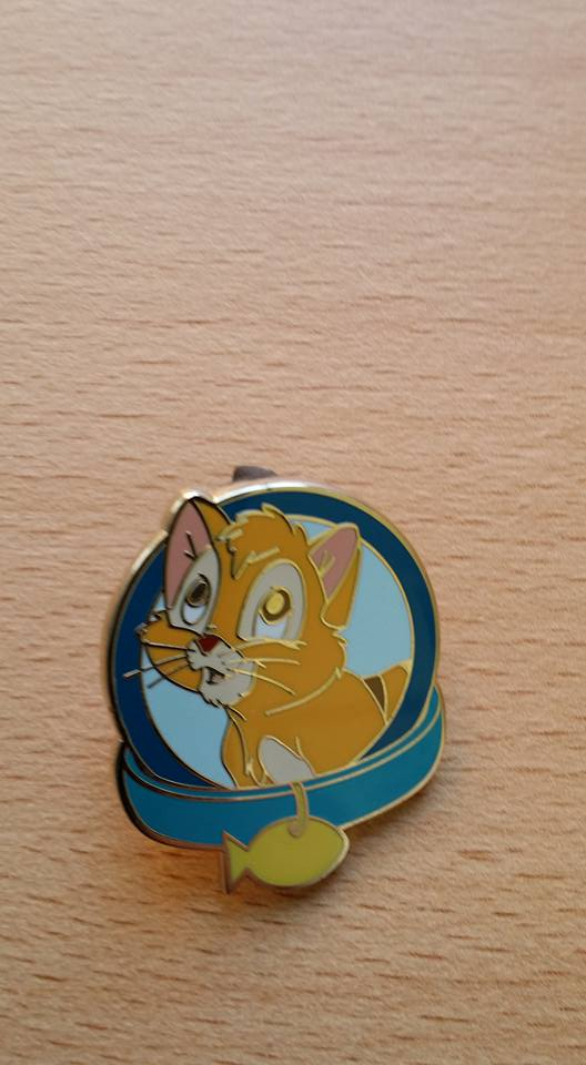 [Vente - Recherche] pin's disney / pin trading  (TOPIC UNIQUE) - Page 3 Vente210