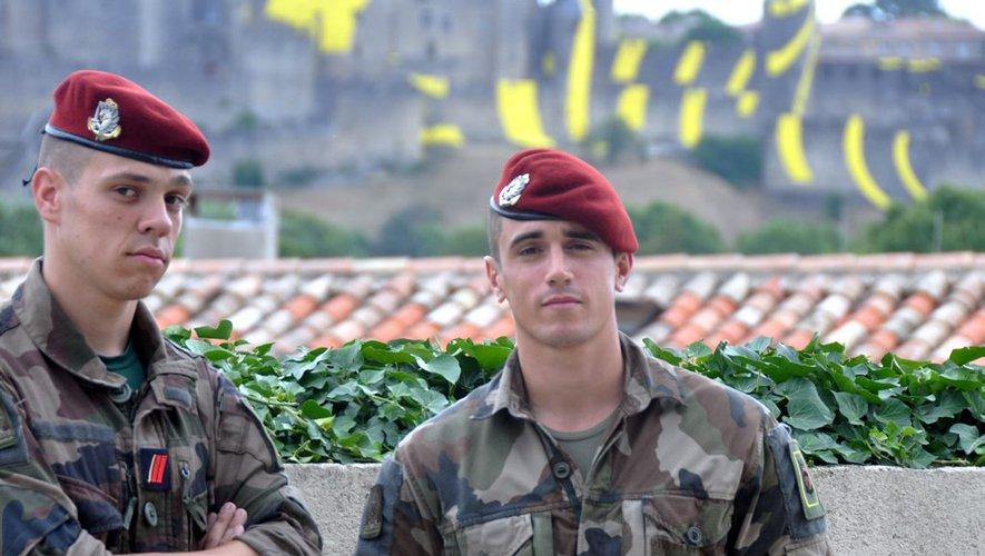 Kévin et Pierre ont fait le choix de s'engager les troupes parachutistes au «3» est devenu leur famille. 0_deux10