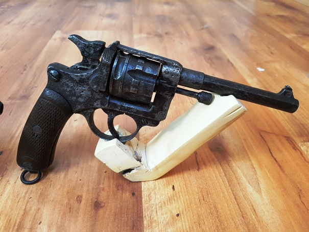 Présentation de vos armes de poing - supports - vitrines 20190514