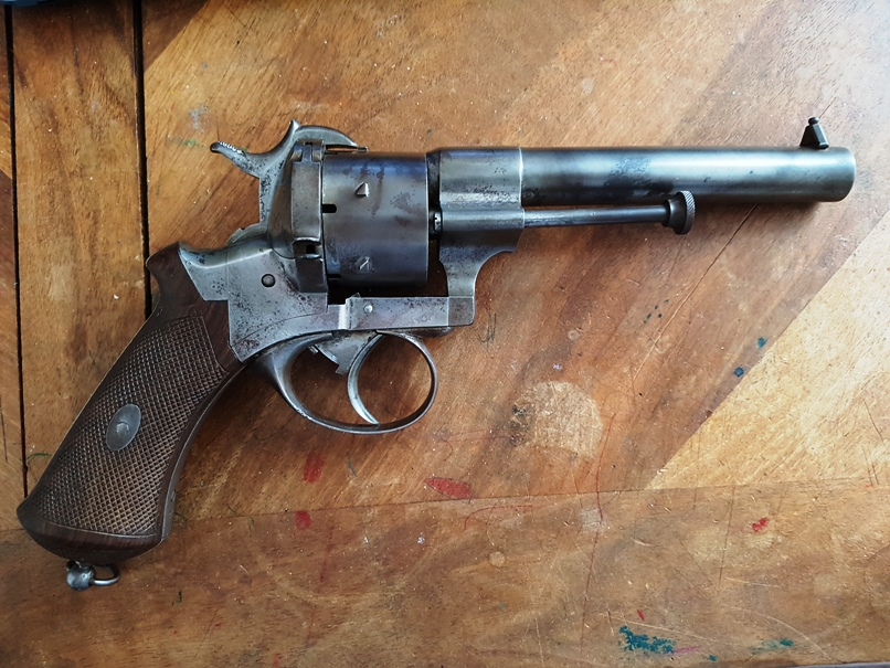 Revolver à broche assez gros 20191219