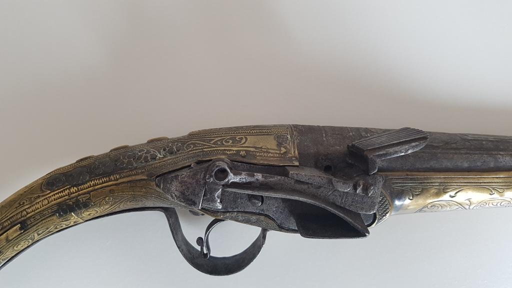 Rare pistolet à silex 17 ème siècle 20200412