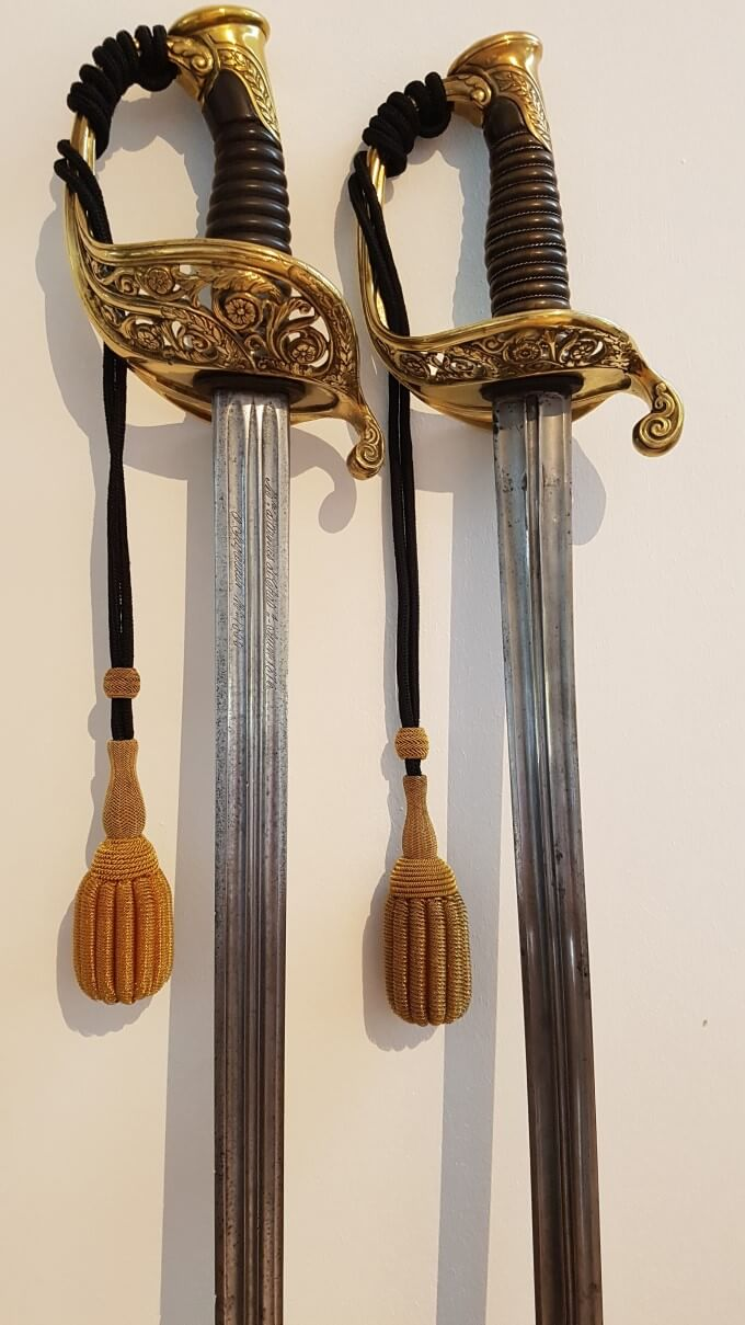 Présentation d'un sabre d'officier supérieur 1855 244