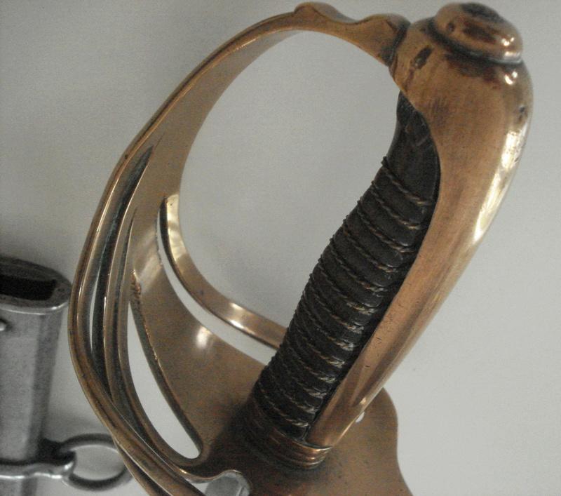Curieux sabre de cavalerie modèle 1882 30776410
