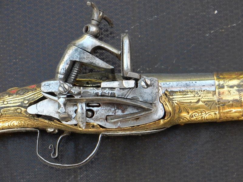 Rare pistolet à silex 17 ème siècle Pistol10
