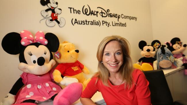 Départ de Tom Wolber, Catherine Powell nouvelle Présidente d'Euro Disney S.A.S depuis le 11 juillet 2016 E507ce10
