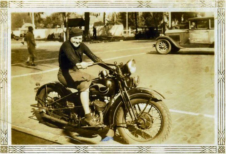 NOSTALGIA vieilles photos d'époque - Page 4 193111