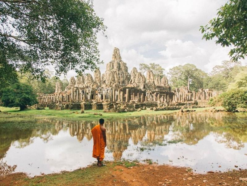 Spirituality - Page 2 Cambod10