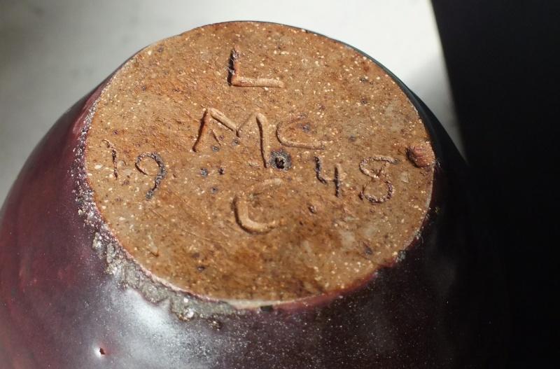 Stoneware pot dated 1948 Len Castle? Dscf5316