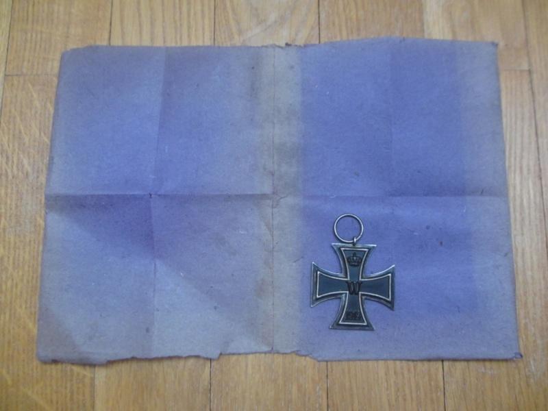 Papier type sachet croix de fer Img_4914