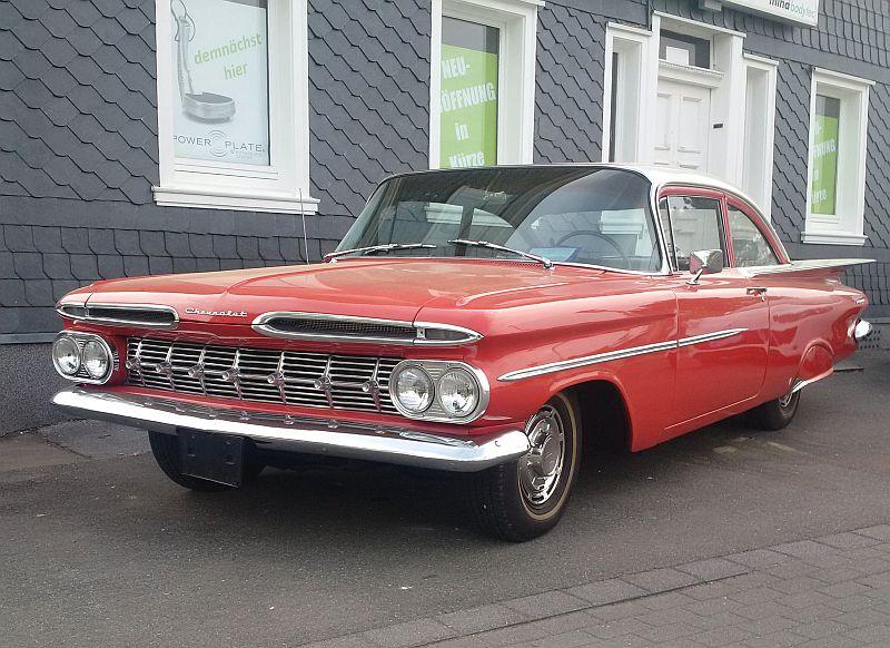 """Chevrolet Impala Biscayne Coupe 1959 - auf dem Parkplatz """"schnappgeschossen""""  126"""