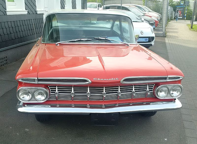 """Chevrolet Impala Biscayne Coupe 1959 - auf dem Parkplatz """"schnappgeschossen""""  320"""