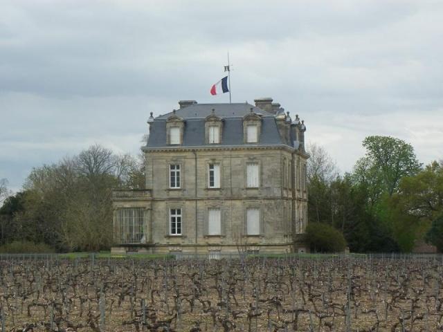 Château La Tour de By vu par Ghislaine B P 12472510