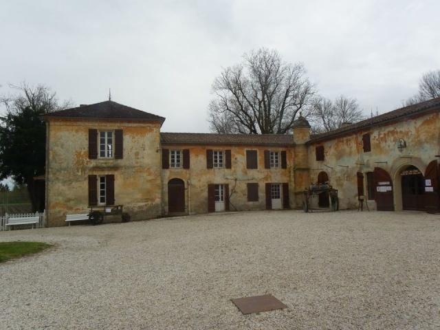Château La Tour de By vu par Ghislaine B P 12592210
