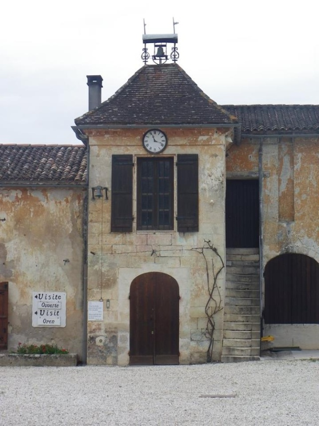 Château La Tour de By vu par Ghislaine B P 12923110