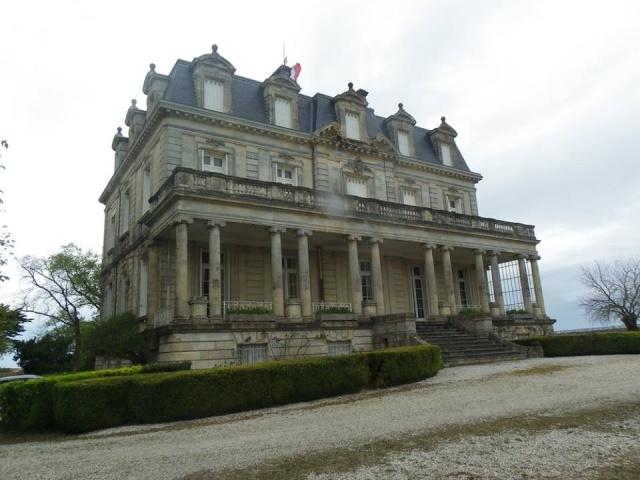 Château La Tour de By vu par Ghislaine B P 12933010