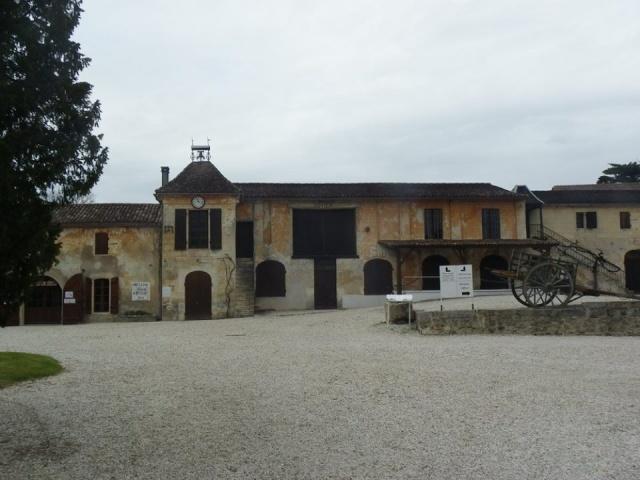 Château La Tour de By vu par Ghislaine B P 12938210