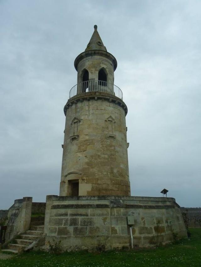 Château La Tour de By vu par Ghislaine B P 12963410