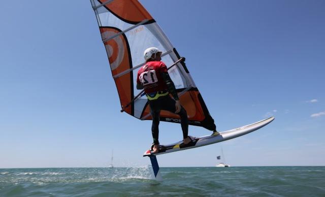 Il est possible de voler sur l'eau à Carcans ! Maxres10