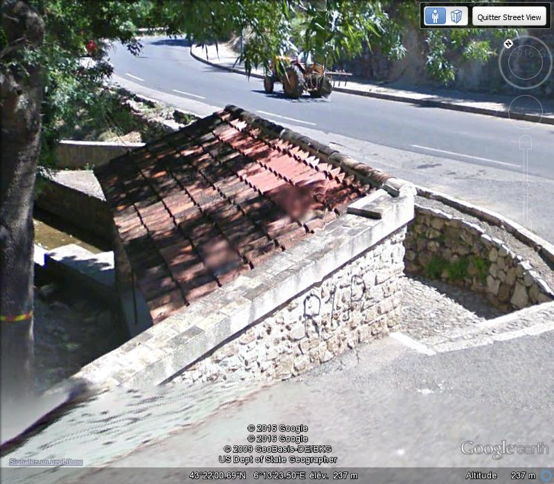 STREET VIEW : les lavoirs - Page 4 B117