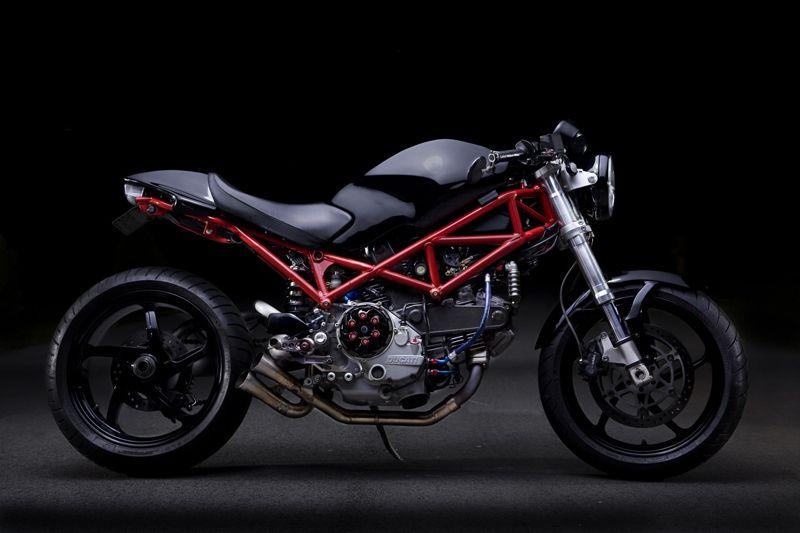 Avant, j'étais une speed triple, mais ça, c'était avant... - Page 6 Ducati10