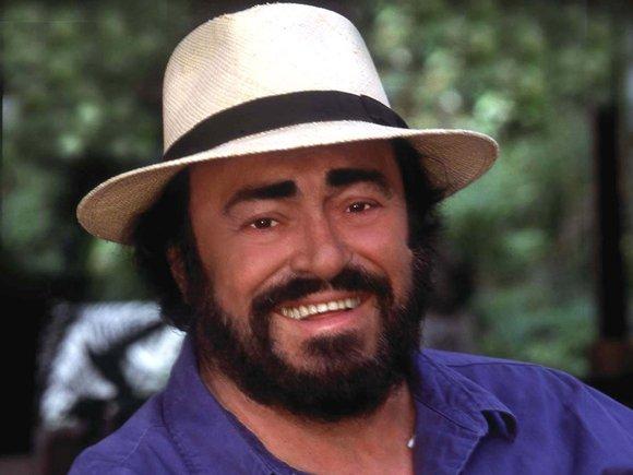 Luciano Pavarotti,Andréa Bocelli et autres ténors.... Pavaro10