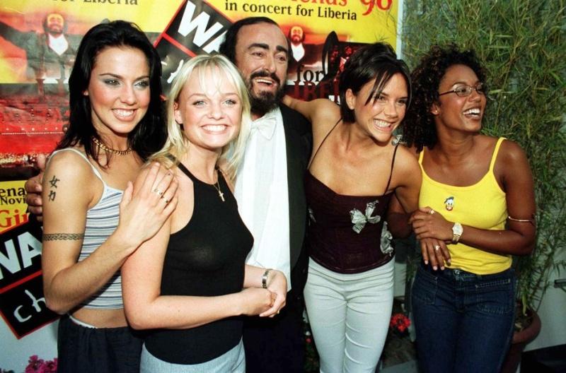 Luciano Pavarotti,Andréa Bocelli et autres ténors.... Pavaro11