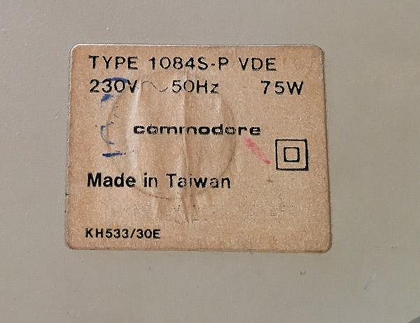 Commodore moniteur 1084 - installation péritel (résolu) Back_110