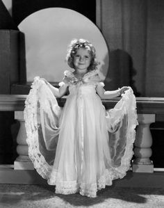 Shirley TEMPLE - Page 2 Shirle48