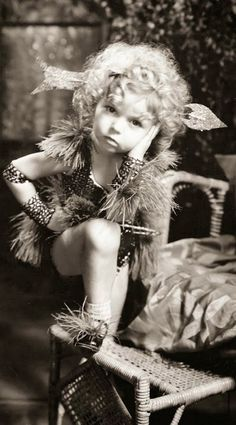 Shirley TEMPLE - Page 2 Shirle50