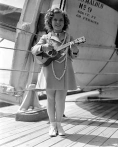 Shirley TEMPLE - Page 2 Shirle53