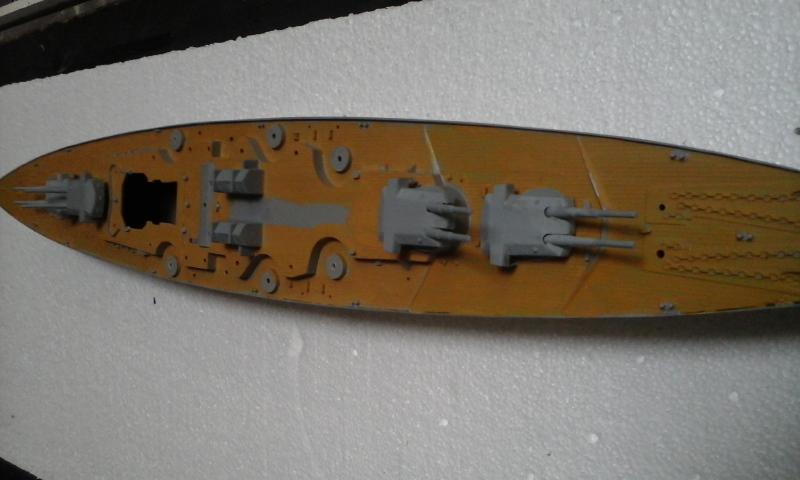 Le Bismarck de chez Revell échelle au 1/570 20160422