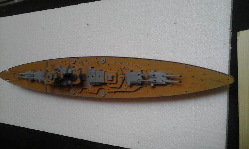 Le Bismarck de chez Revell échelle au 1/570 20160425