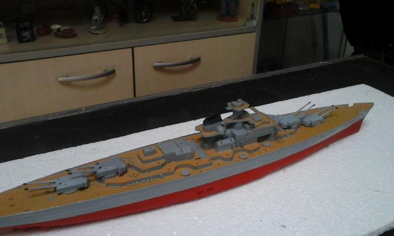 Le Bismarck de chez Revell échelle au 1/570 20160426